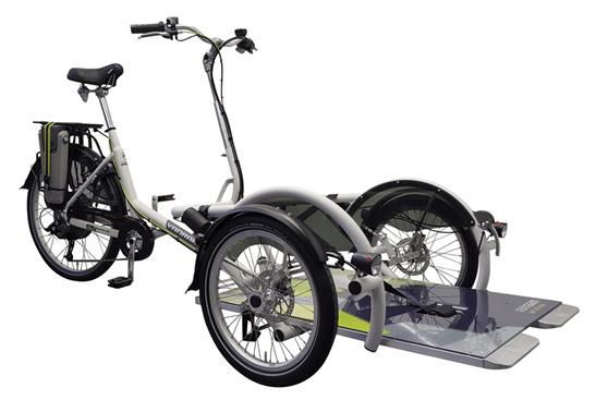 Velo-Plus-rolstoelfiets-met-trapondersteuning